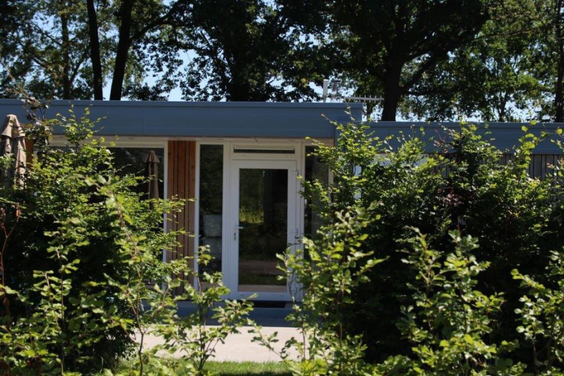23-8-bungalow-van-dichtbij