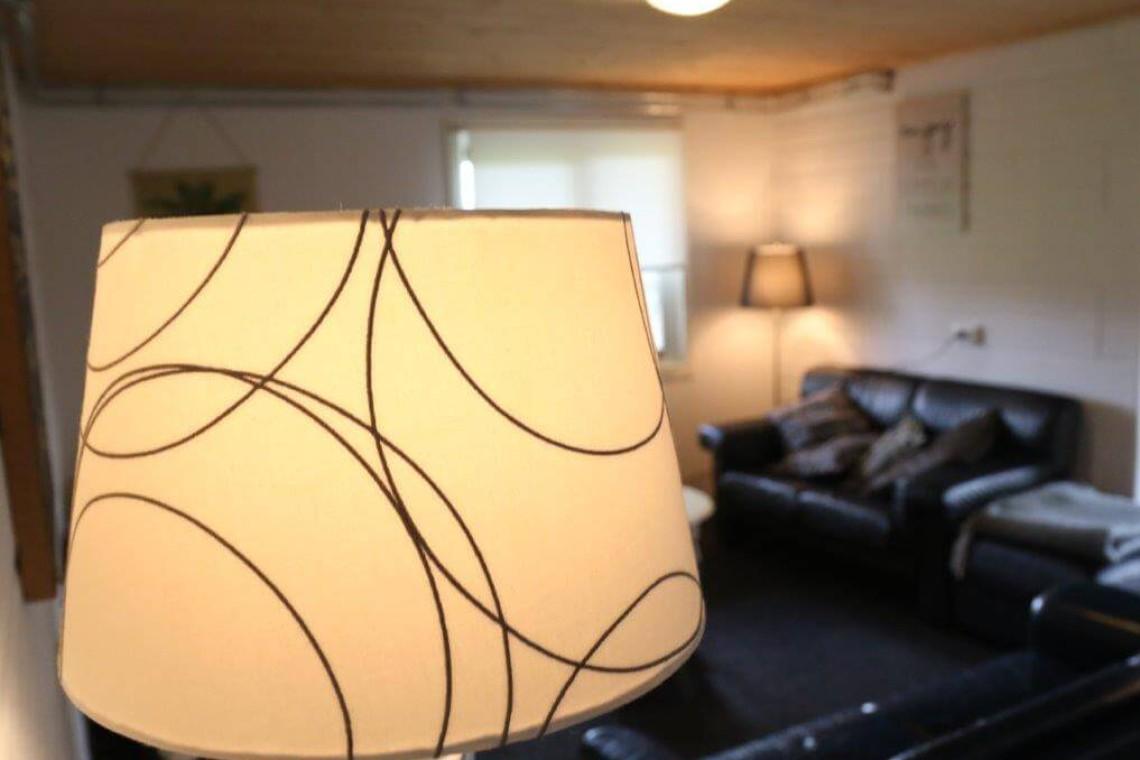 008-25-lamp