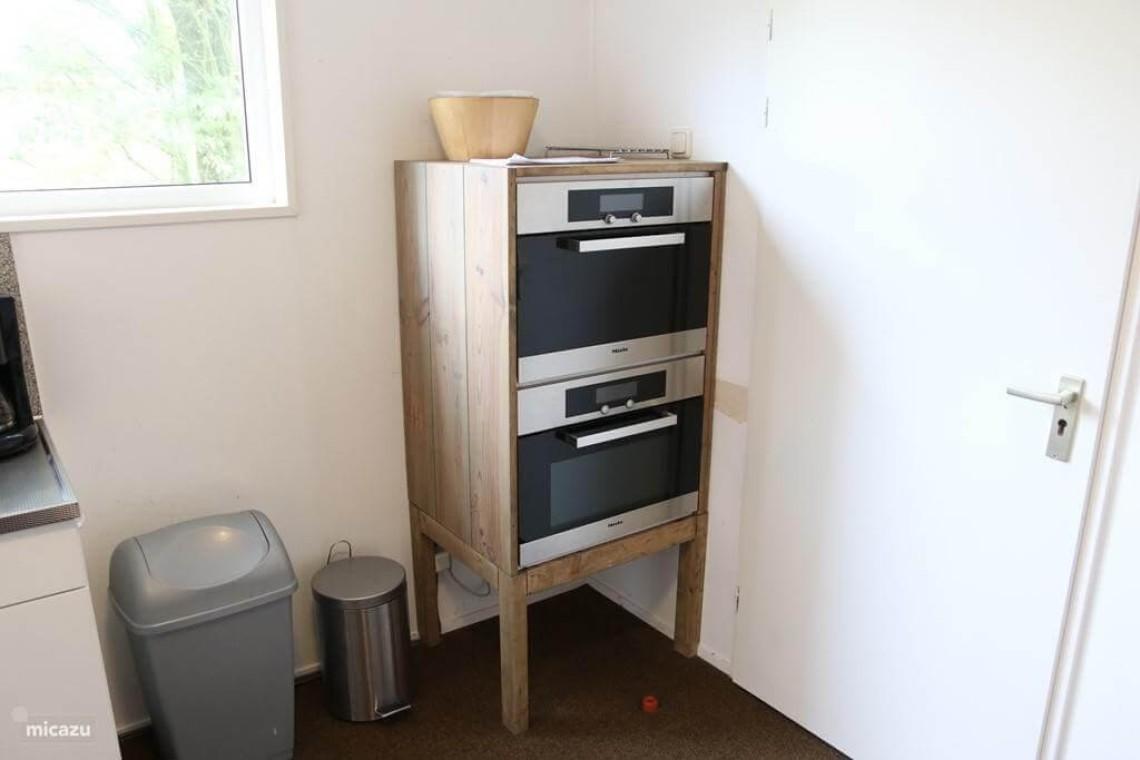 Bungalow 11: ovens