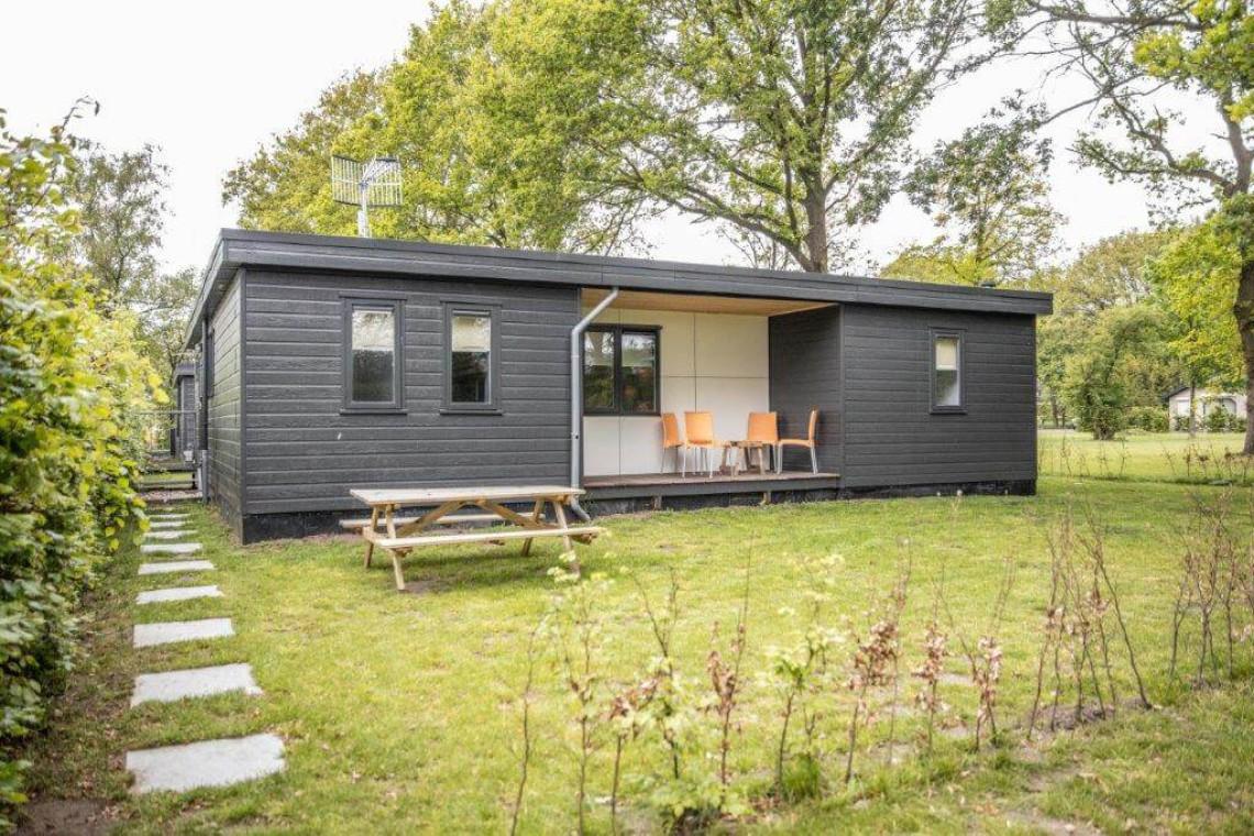 005-25-bungalow-achterkant
