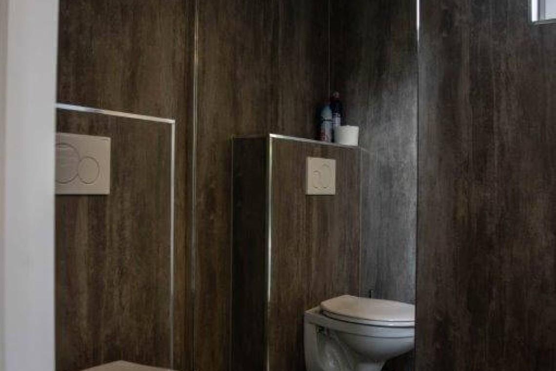016(1)-23-bungalow-badkamer