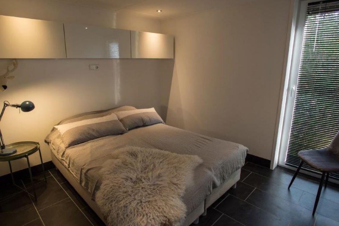 012-23-bungalow-slaapkamer