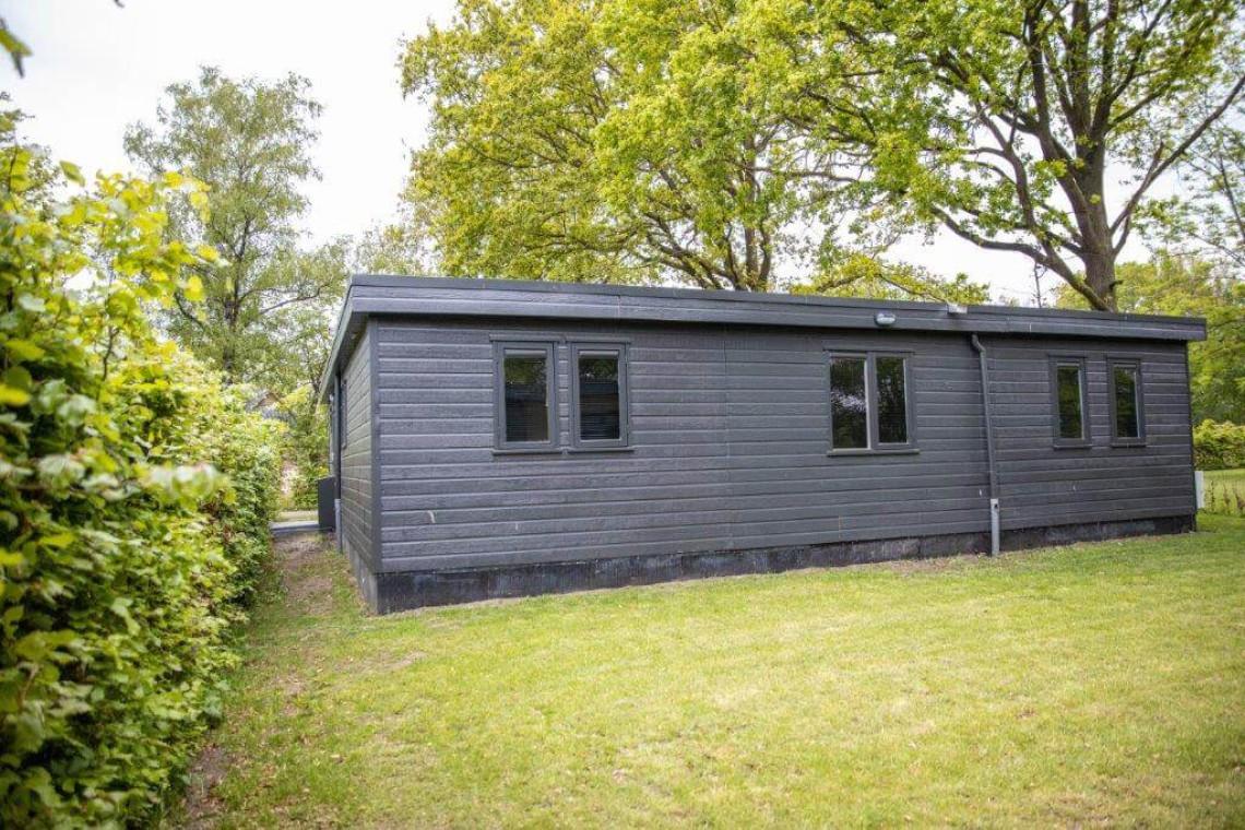 004-24-bungalow-achterkant