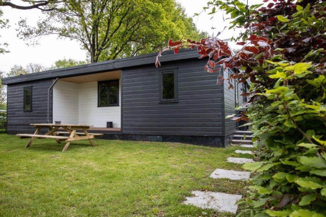 003-24-bungalow-voorkant